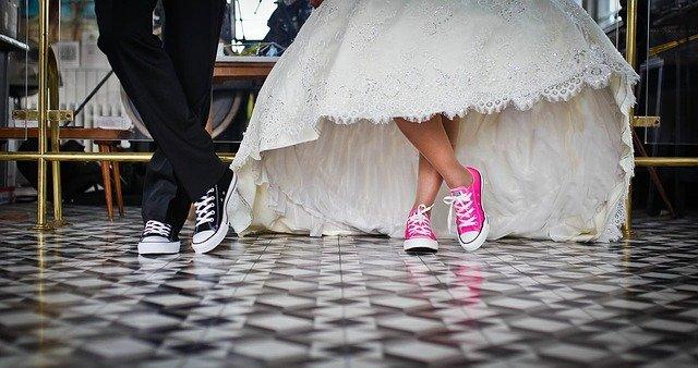 una obra literaria, boda